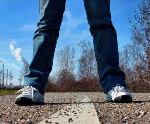 Standing sidewalk-657906_960_720